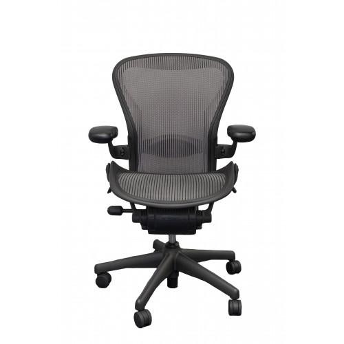 Herman Miller Aeron Chair Standard Classic Size B Graphite